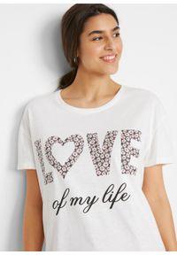 Shirt oversize bawełniany z nadrukiem bonprix biały z nadrukiem. Kolor: biały. Materiał: bawełna. Wzór: nadruk