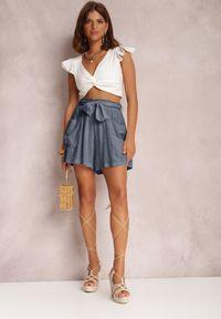 Renee - Niebieskie Szorty Amathophis. Stan: podwyższony. Kolor: niebieski. Materiał: bawełna, materiał, guma. Wzór: ażurowy, aplikacja. Sezon: lato