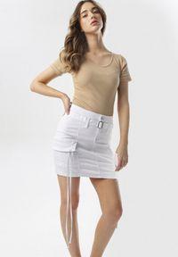 Biała spódnica mini Born2be