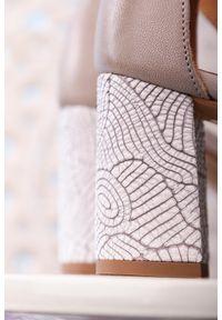 Maciejka - Popielate sandały maciejka skórzane na ozdobnym obcasie z zakrytą piętą pasek wokół kostki 04235-03/00-5. Zapięcie: pasek. Kolor: szary. Materiał: skóra. Obcas: na obcasie. Wysokość obcasa: średni