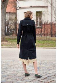 Marie Zélie - Trencz Adria bawełna z elastanem czarny. Kolor: czarny. Materiał: bawełna, elastan. Sezon: lato. Styl: klasyczny #7