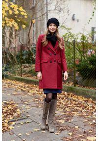 Marie Zélie - Płaszcz wełniany Debora ciemnoczerwony. Kolor: czerwony. Materiał: wełna. Wzór: motyw zwierzęcy, ze splotem. Sezon: zima. Styl: klasyczny