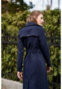Marie Zélie - Trencz Adria bawełna z elastanem granatowy. Kolor: niebieski. Materiał: bawełna, elastan. Sezon: lato. Styl: klasyczny #4