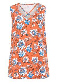 Top bawełniany z nadrukiem i ozdobnym elementem w dekolcie bonprix czerwona pomarańcza - w kwiaty. Kolor: pomarańczowy. Materiał: bawełna. Wzór: kwiaty, nadruk