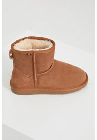 Answear Lab - Śniegowce zamszowe. Nosek buta: okrągły. Kolor: beżowy. Materiał: zamsz. Obcas: na obcasie. Styl: wakacyjny. Wysokość obcasa: niski