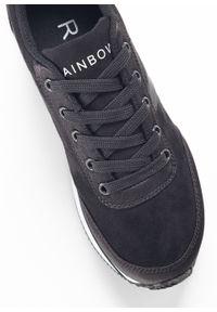 Czarne buty sportowe bonprix na sznurówki, na platformie