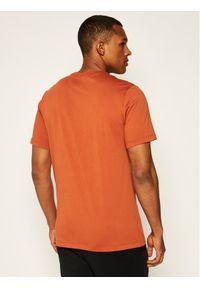 Czerwony t-shirt Nike