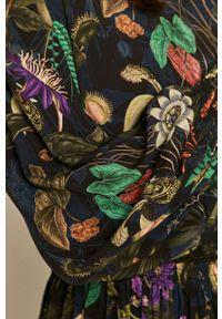 medicine - Medicine - Sukienka Wild Heart. Kolor: czarny. Materiał: tkanina. Typ sukienki: rozkloszowane