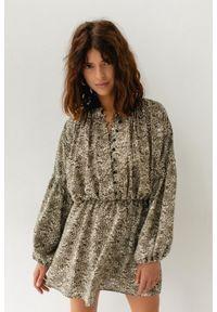 Marsala - Koktajlowa sukienka z wiskozy ECRU W CĘTKI KHAKI - EDEN BY MARSALA. Okazja: na imprezę. Kolor: brązowy. Materiał: wiskoza. Długość rękawa: długi rękaw. Styl: wizytowy