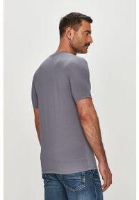 Szary t-shirt Armani Exchange casualowy, z nadrukiem, na co dzień