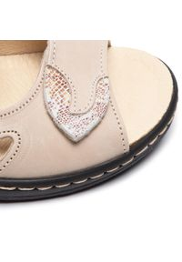 Beżowe sandały Dr. Brinkmann