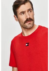 Tommy Sport - T-shirt. Okazja: na co dzień. Kolor: czerwony. Materiał: dzianina. Styl: sportowy