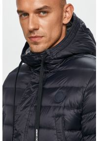 Niebieska kurtka Armani Exchange z kapturem, casualowa
