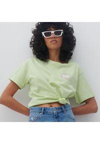 Reserved - Bawełniany t-shirt z nadrukiem - Zielony. Kolor: zielony. Materiał: bawełna. Wzór: nadruk