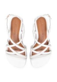 Białe sandały Bibi
