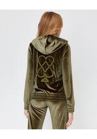 CUORI e PICCHE - Bluza khaki TRICK II z aksamitu. Typ kołnierza: kaptur. Kolor: zielony. Materiał: dresówka. Długość rękawa: długi rękaw. Długość: długie. Styl: klasyczny