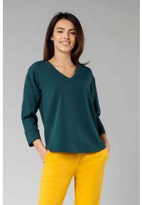 Nommo - Zielona Bluzka z Dekoltem w Szpic z Rękawem 3/4. Kolor: zielony. Materiał: wiskoza, poliester