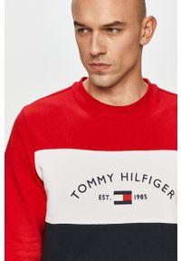 TOMMY HILFIGER - Tommy Hilfiger - Bluza bawełniana. Okazja: na co dzień. Materiał: bawełna. Styl: casual