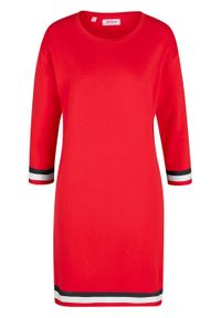 Sukienka dresowa bonprix truskawkowy. Kolor: czerwony. Materiał: dresówka
