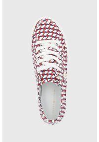 TOMMY HILFIGER - Tommy Hilfiger - Tenisówki. Nosek buta: okrągły. Zapięcie: sznurówki. Kolor: czerwony. Materiał: guma. Obcas: na platformie