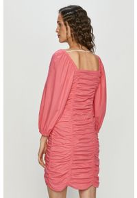 Różowa sukienka Vero Moda prosta, casualowa, z długim rękawem, mini