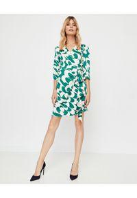 Marella - MARELLA - Kopertowa zielono-biała sukienka. Okazja: do pracy, na co dzień. Kolor: biały. Materiał: wiskoza. Typ sukienki: kopertowe. Styl: klasyczny, casual. Długość: mini