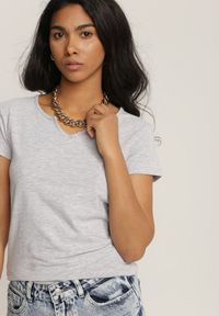 Renee - Jasnoszary T-shirt Peisa. Kolor: szary