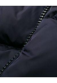 MONCLER - Wielokolorowa kurtka puchowa Janvry. Kolor: czerwony. Materiał: puch. Wzór: aplikacja. Sezon: zima