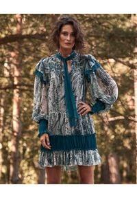 BY CABO - Jedwabna sukienka z printem Phoebe. Okazja: na randkę, na imprezę. Kolor: niebieski. Materiał: jedwab. Wzór: nadruk. Typ sukienki: proste. Długość: mini
