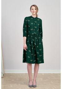 Marie Zélie - Sukienka Aglaia Cavalos butelkowa zieleń. Typ kołnierza: kołnierzyk stójkowy. Materiał: tkanina, bawełna, wiskoza, materiał
