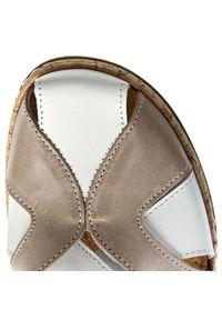 Sandały Comfortabel na średnim obcasie, na obcasie