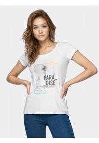 Biały t-shirt outhorn z krótkim rękawem