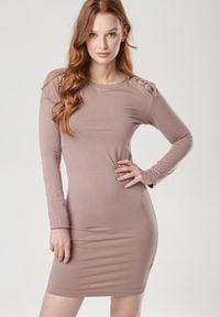 Born2be - Ciemnobeżowa Sukienka Vivithia. Okazja: na co dzień. Kolor: beżowy. Materiał: dzianina. Długość rękawa: długi rękaw. Styl: casual. Długość: mini
