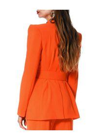 AGGI - Elegancki żakiet z wiązaniem Marina. Okazja: do pracy. Kolor: pomarańczowy. Materiał: wiskoza. Wzór: aplikacja, geometria. Styl: elegancki