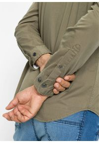 """Koszula z długim rękawem i pagonami na ramionach bonprix oliwkowy """"used"""". Kolor: zielony. Długość rękawa: długi rękaw. Długość: długie"""