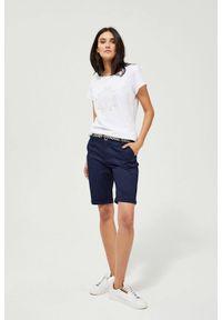 MOODO - Szorty z paskiem. Materiał: bawełna, jeans, elastan. Wzór: gładki