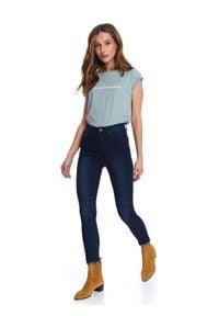 TOP SECRET - Spodnie długie damskie skinny. Okazja: na co dzień. Stan: podwyższony. Kolor: niebieski. Materiał: jeans. Długość: długie. Sezon: wiosna. Styl: sportowy, wizytowy, klasyczny, casual