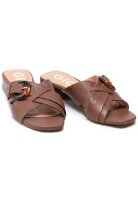 Gioseppo - Klapki GIOSEPPO - Gale 63045 Tan. Kolor: brązowy. Materiał: skóra. Sezon: lato. Obcas: na obcasie. Wysokość obcasa: średni