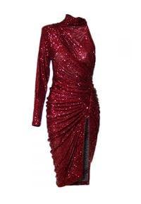 AGGI - Cekinowa asymetryczna sukienka z rozporkiem. Okazja: na karnawał, na wesele, na ślub cywilny. Kolor: czerwony. Materiał: materiał, szyfon. Długość rękawa: długi rękaw. Typ sukienki: asymetryczne. Długość: midi