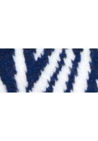 Niebieski sweter TROLL na wiosnę, na co dzień