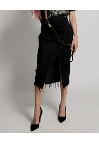 ONETEASPOON - Czarna spódnica jeansowa z rozcięciem. Okazja: do pracy. Kolor: czarny. Materiał: jeans. Wzór: aplikacja. Styl: elegancki, rockowy