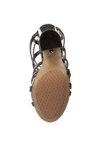 Czarne sandały Kazar z paskami, w kolorowe wzory