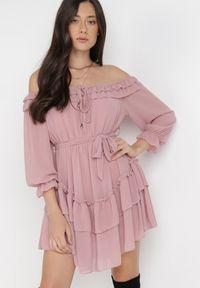 Born2be - Różowa Sukienka Camsuy. Kolor: różowy. Materiał: tkanina, materiał. Styl: boho