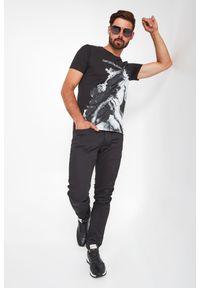 Emporio Armani - T-SHIRT EMPORIO ARMANI. Długość rękawa: krótki rękaw. Długość: krótkie. Wzór: haft, nadruk
