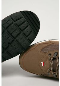 Brązowe sneakersy Fila z okrągłym noskiem, z cholewką, na sznurówki