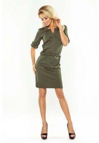 Numoco - Khaki Sukienka z Niską Stójką. Typ kołnierza: kołnierzyk stójkowy. Kolor: brązowy. Materiał: poliester, elastan