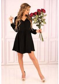 Merribel - Czarna Rozkloszowana Krótka Sukienka z Górą Typu Polo. Typ kołnierza: polo. Kolor: czarny. Materiał: poliester. Długość: mini