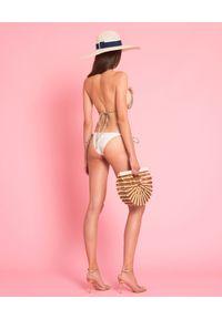 LA REVECHE - Trójkątny Top od bikini Nur. Kolor: złoty. Materiał: szyfon, tkanina. Wzór: kwiaty, aplikacja