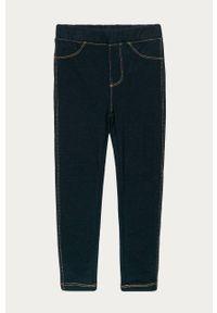 Niebieskie jeansy GAP w kolorowe wzory
