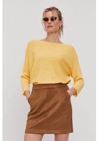 Vero Moda - Sweter. Okazja: na co dzień. Kolor: żółty. Materiał: dzianina. Wzór: gładki. Styl: casual